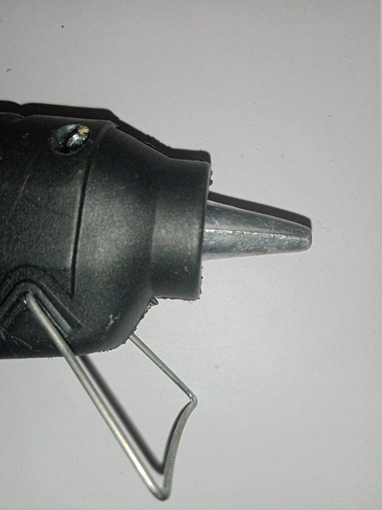 how to use hot glue gun